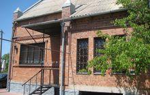 Продается полностью кирпичный дом в черте города. Отличное м