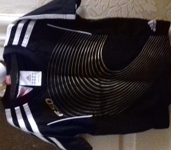 Фото в Для детей Детская одежда Продаю фирм. черную футболку Adidas. Коллекция в Ростове-на-Дону 500