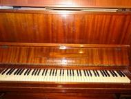 Пианино Красный октябрь даром срочно отдаю в связи с ремонтом. рабочее. самовыво