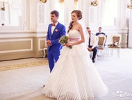 Свадебное платье 40-44р Свадебное платье интересного кроя. На фото платье с крин