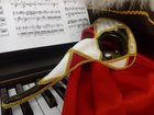 Увидеть foto  Венецианская карнавальная маска ручной работы 37994324 в Саратове