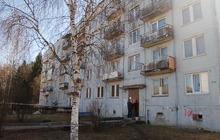 Продаю срочно недорого 2 комнатную квартиру (распашонка) Серпуховский р-он п, Фенино