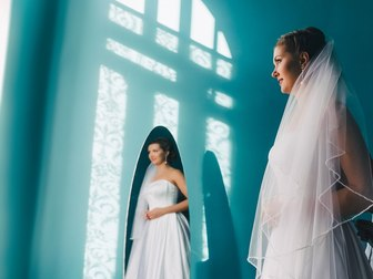 Новое foto Свадебные платья Атласное платье c длинным рукавом 37198533 в Тамбове