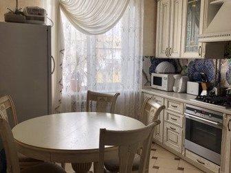 Продаётся трехкомнатная квартира с перепланировкой общей площадью 70 м2,  , частично мебелирована , бытовой техникой в южной части города,  Рядом набережная реки в Тамбове
