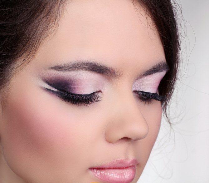 Фото макияжа в розово-серых тонах