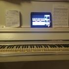 Обучаю игре на фортепиано