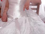 свадебное платье платье в отличном состоянии, очень красивое, одевала один день,