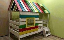 Кровать домик из дерева