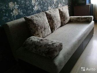 Продается новый диван по цене -8 500 р, , снизу имеется кожаная  вставка, что придает оригинальность мебели , прилагается к дивану красивое покрывало-плед в подарок, в Уфе