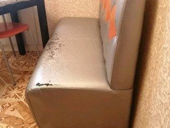 Диванчик 120?60, состояние хорошее только есть потертости в районе сидения, это попровимо можно перетенуть, цвет серебро в Уфе