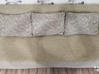 Продам диван в хорошем состоянии,  Идеально ровное спальное место,  Поверхность не продавлена, не просижена,  Размеры в сложенном виде: длина 190 см, ширина 90 см, в Уфе