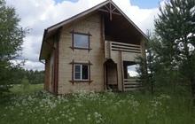 Новый двухэтажный дом в тихом живописном месте, на самом берегу реки