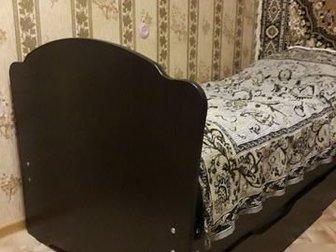 Кровать 1,5 спальная, в отличном состоянии, с ортопедическим матрасом и двумя ящиками для хранения вещей, в Волхове